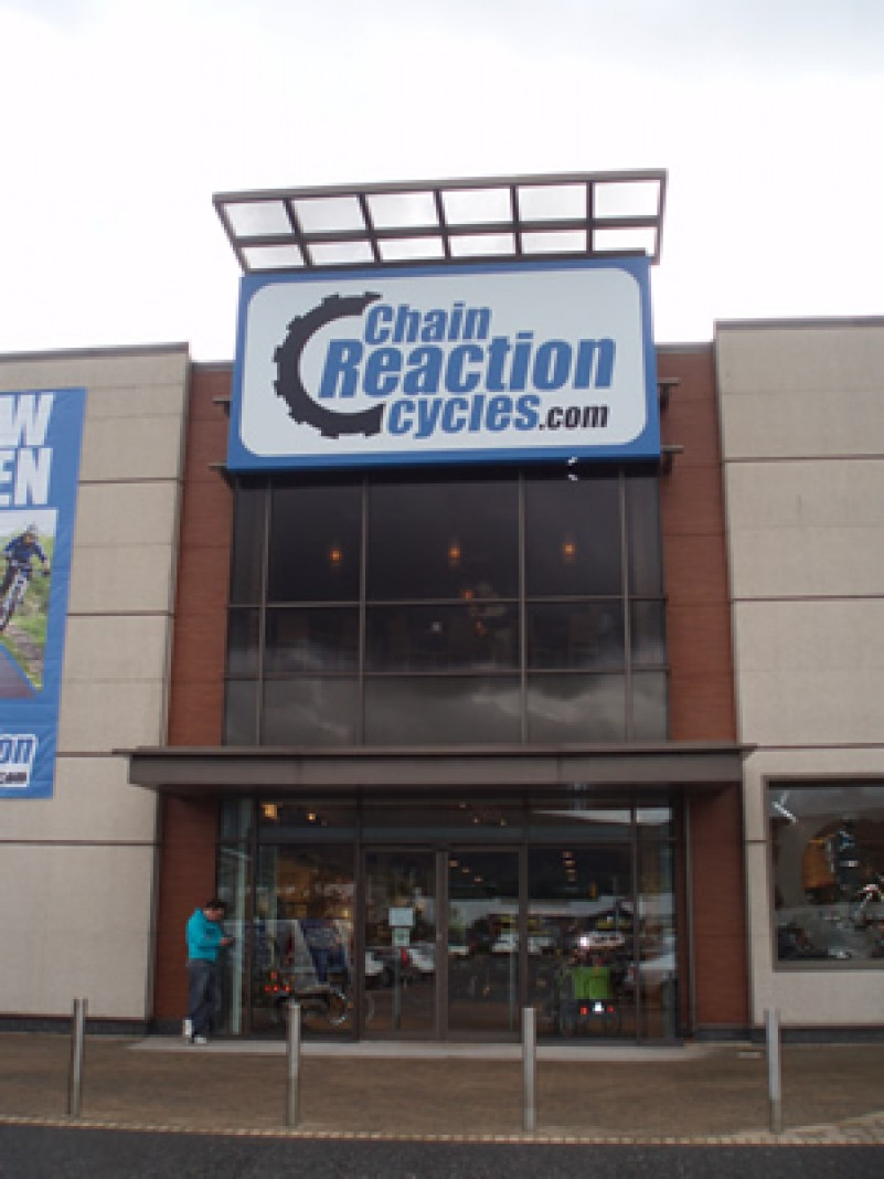 Murphy helps Chain Reaction Cycles to open in Belfast